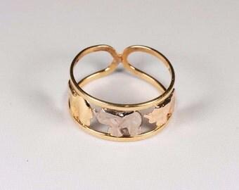 18K Tri Color Gold Elephant Design Ring , size 7.75