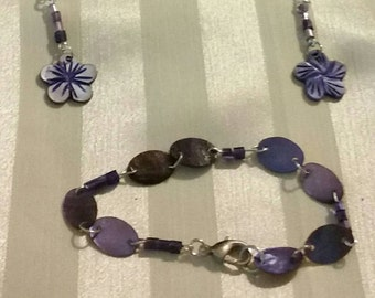 Purple mother of pearl and shell bracelet and earring set