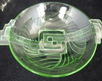 Stolle Niemen Green Glass Art Deco Centre Piece Bowl – Polish - Pattern No 08818 –1923 to 1935 – Vintage and Collectible