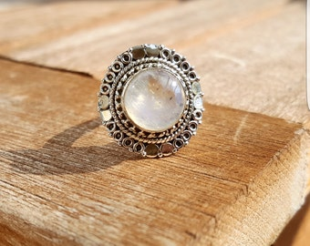 925 solid silver ring with Moonstone size US 6.5