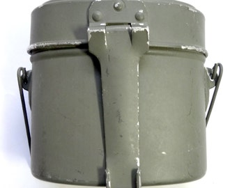 Vintage WW2 mess tin - metal with grey paint - 3 compartments