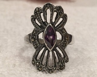 Stunning Vintage Sterling SILVER Art Deco Design Ring-Lovely Marquise Cut AMETHYST Crystal-MARCASITES-Uk Size P-Us 7 1/2 - 4.89 grams