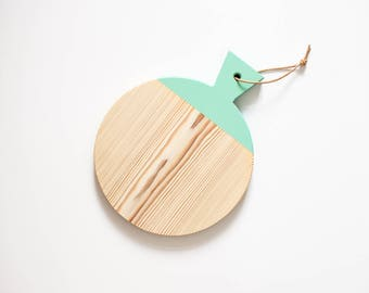 Wood with leather strap / / minimalist cutting board in mint / / geometric Board to the cutting & serving / breakfast Board turquoise