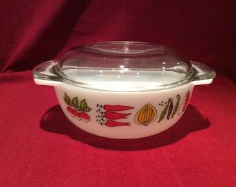Pyrex JAJ Harvest Easy Grip 1 pint Round Casserole Dish circa 1960