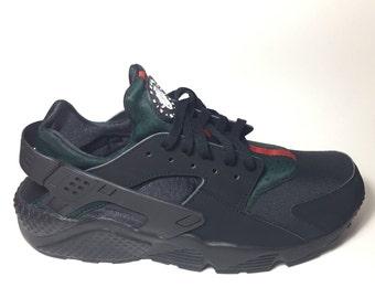 """Custom Black Nike """"GUCCI"""" Huaraches, Gucci Huarache, Nike Gucci, Nike Huarache Gucci,"""