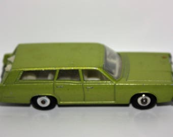 Vintage 1972 Matchbox No. 73 Mercury Commuter Stationwagon with Dogs 1:64 Lesney