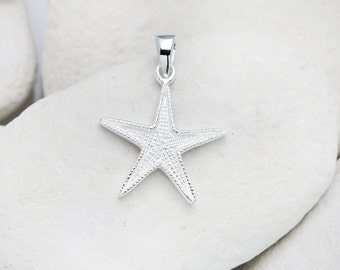 Sterling Silver patterned Starfish pendant. (FREE UK SHIPPING)
