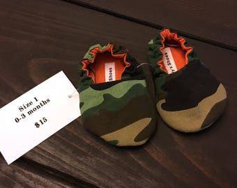 Quick Ship Baby Shoes - Crib Shoes - Booties - Newborn - Camo Camoflauge - Size 1 0-3 months - Size 2 3-6 months
