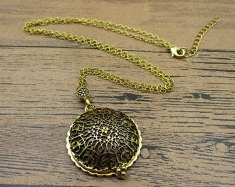 Metal Frame Locket Necklace,Brass Tone,Round Photo Locket With a Magnifying Glass-TS067