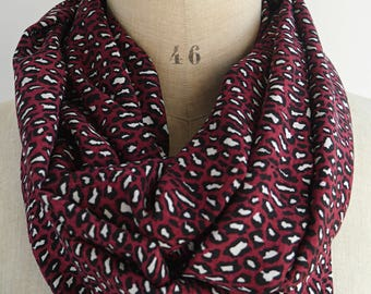 leopard loop scarf, womens infinity scarf, burgundy scarf, leopard print scarf, leopard fabric, animal print scarf, gift woman mother, scarf