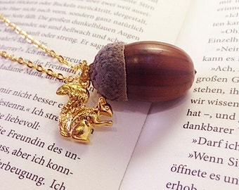Squirrel Genuine acorn chain gold