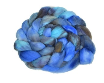 Organic Polwarth 4 oz hand dyed roving, Combed Top, Polwarth spinning fiber, Aqua, Blue, Gray - Oceans Between Us