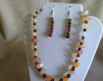 103 Lovely Medium Sized Agate Gemstone Nuggets with Tigereye Stones  Beaded Necklace