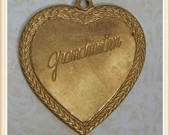 raw brass heart engraved vintage grandmother charm valentine 4 pieces E0091