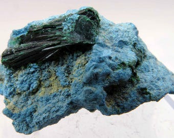 Malachite on Shattuckite, Koakoveld, Namibia
