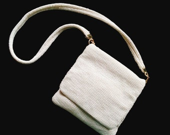 vintage lumured pearl white evening bag | sequined | iridescent | excellent condition | 1950s