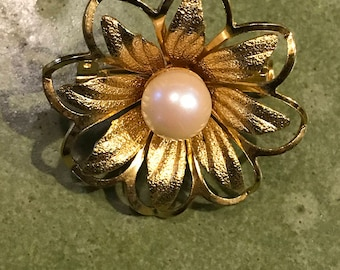 Vintage Mid Century Modern Gold and Pearl Flower Brooch