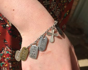 Encouraging charm bracelet