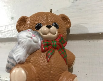 Hallmark Keepsake ornament Puurfect Snuggle 1988