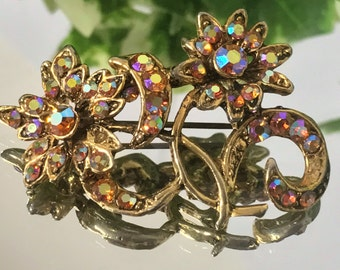 A Beautiful Vintage, Gold Tone, Aurora Borealis, Flower Brooch