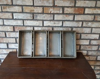 Awesome Vintage Industrial Baking Pans, Bread Pan Set of 4, Industrial Bread Pans, Made by Bundy