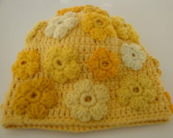 Beanie, crochet, yellow, girl, blossoms, flowers,