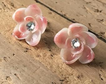 Seashell Earrings - Beach Bridal Earrings - Coastal Earrings - Mermaid Earrings- Bridesmaid Earrings - Beach Jewelry - Mermaid Jewelry