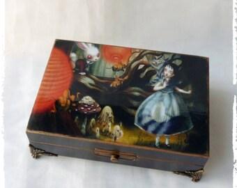 Alice in Wonderland box,Alice in Wonderland decor,alice in wonderland,Secret compartment,tissue box,Cheshire cat,keepsake box,white rabbit
