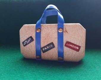 Novelty Vintage Manicure Set Suitcase London Paris New York