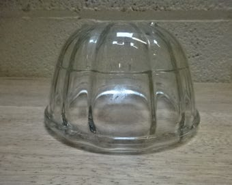 Vintage Round Pressed Glass Jelly Mould/JAJ Pyrex/1950s