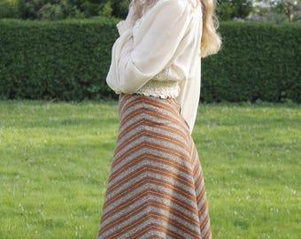 Feelin' Groovy Vintage c. 1970's Midi Calf Length Chevron High Waist A Line Folk Skirt