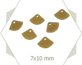 15 Bronze fan-shape charm, sequin, brass based, blank charm