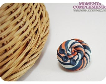 Snaps Colorin. Spiral pin made in polymer clay. Unique design