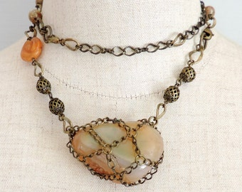 Necklace and bracelet with agate and a rose