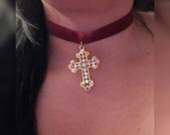 Cross burgundy velvet choker