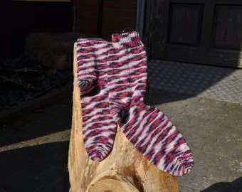 Socks hand knitted in bordeaux tones Gr. 37/38