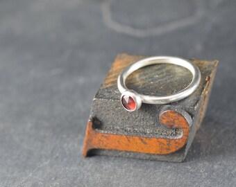 Rose cut garnet cabochon ring