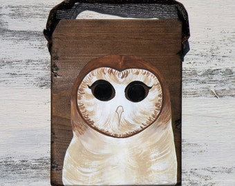 Rustic Distressed Walnut Brown Wood Painting Barn Owl 7x9