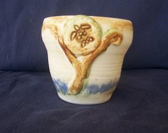 Small swimming turtle vase