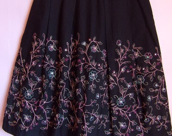 On Sale!!! Women's Skirt/Black Embroidered Skirt/ MARKS & SPENCER Skirt/ Party Skirt/With Sequins/Zipper/With Pleats And Lining/Size M