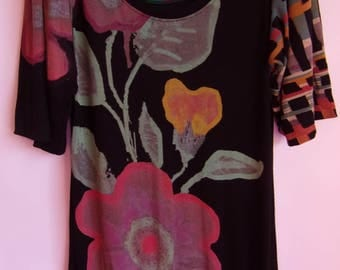 Vintage Women's Dress/ Desigual Tunic Dress/Black With Colorful Flower Print/3/4 Bootcut Sleeve/Knitwear Dress/Made in India/ Size M