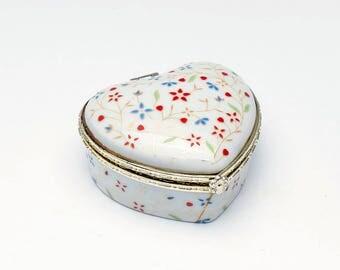 Vintage heart shaped box, china trinket box, ceramic jewelry box, decorated china, vintage chinaware, vintage china, trinket dish