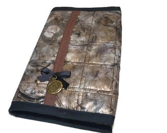 Book cover quilted plasticized fabric  / book Sleeve  ajustable