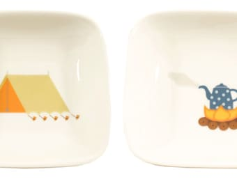 little tent and campfire dishes