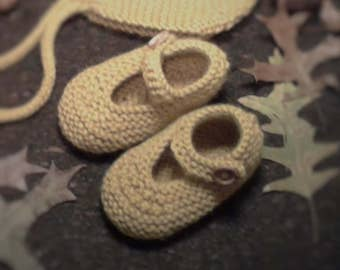 Hand knitted Baby Girl Mary Jane booties, in merino wool