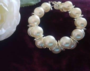 Chunky ivory pearl statement bracelet, for wedding, bridal, bridesmaid or fashion