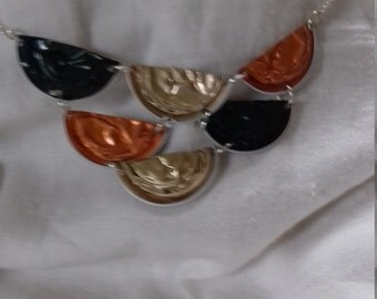 Necklace style egyptian multicolor