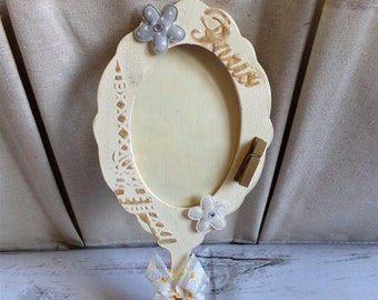 Small mirror at hand so shabby chic