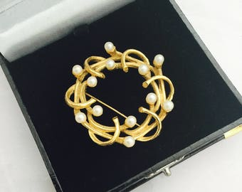 1960's Goldtone and Faux Pearl Brooch