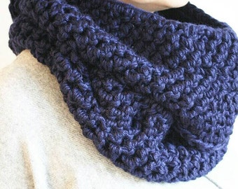 Spring Scarf, Chunky Knit Infinity Scarf, Chunky Knit Cowl, Tassel Scarf, Reversible Scarf, Reversible Cowl, Gifts for Women